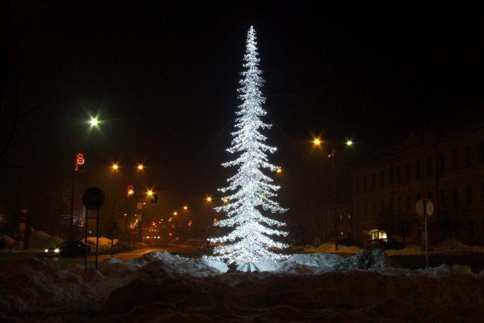 Vianoce Sa Uz Nezadrzateľne Blizia Stromcek V Spisskej Rozsvieti